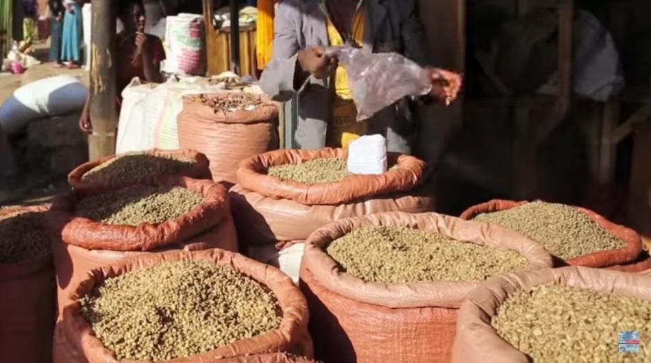 """Фрагмент передачи """"орел и решка"""": так продается кофе на рынке в эфиопии"""