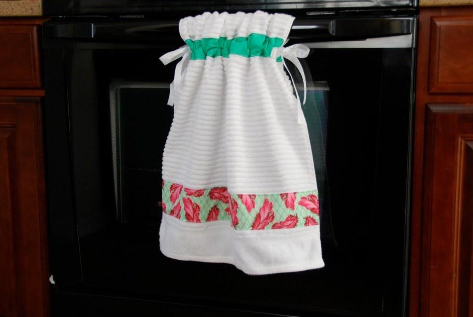Полотенце в виде сарафана