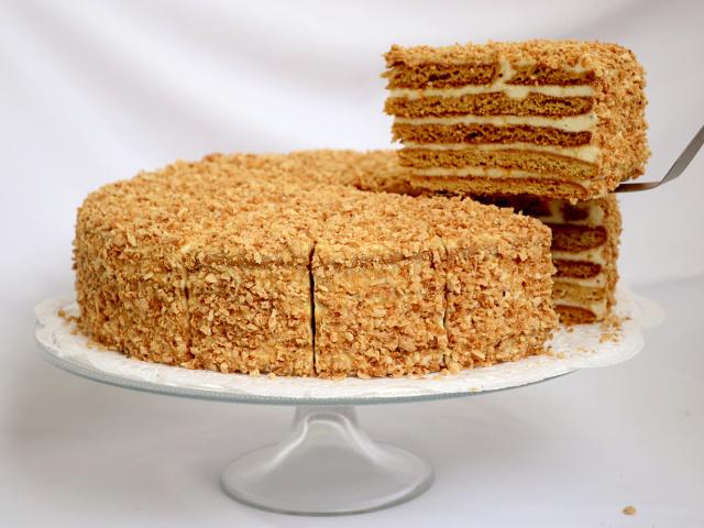 торт медовый со сгущенкой