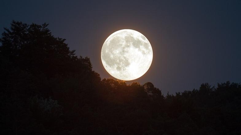 Полная луна - приметы