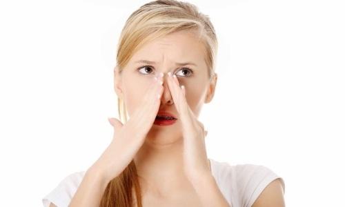 Если прыщ не сходит с носа больше двух месяцев, нужно идти к врачу.