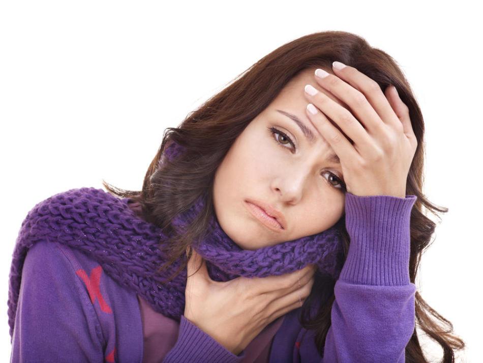 Слабость, бледность кожи и понижение давления - признаки кровотечения после тонзиллэктомии
