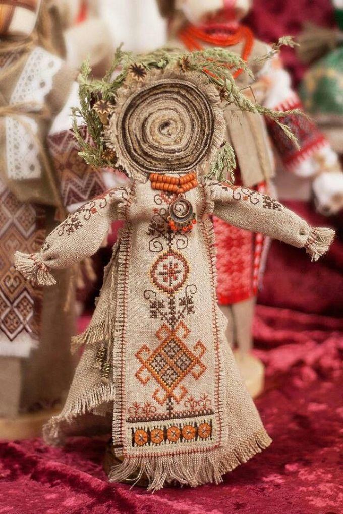 Считается, что мотанка появилась ещё во времена трипольской культуры