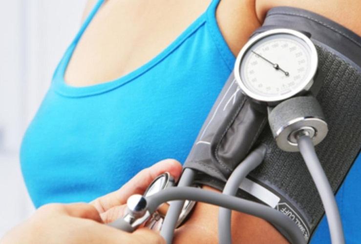 Уксусный компресс сбивает не только температуру, но и давление