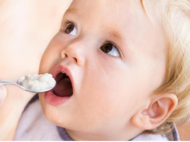 fcc6ca2c1820 Чем кормить ребенка в 1 год  Питание ребенка в 1 год  меню, режим, схема,  таблица