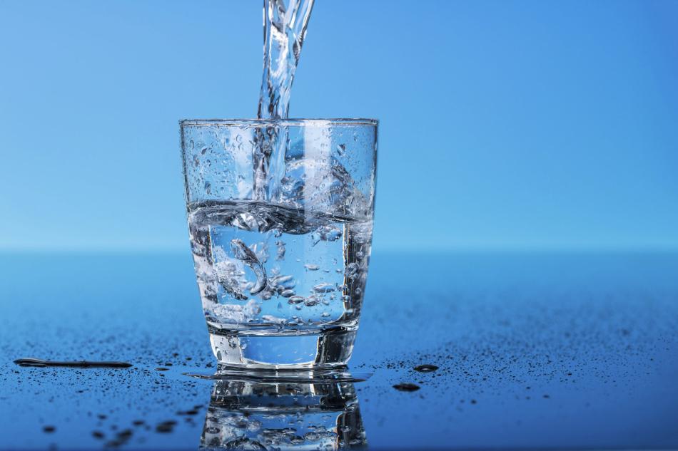 Уши можно прочистить обычной отфильтрованной теплой водой