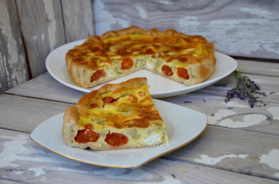 Пирог с артишоками и помидорами черри