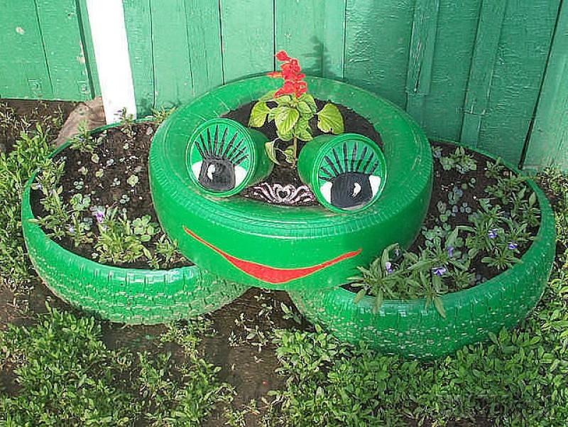 Из лягушки получится отличная клумба