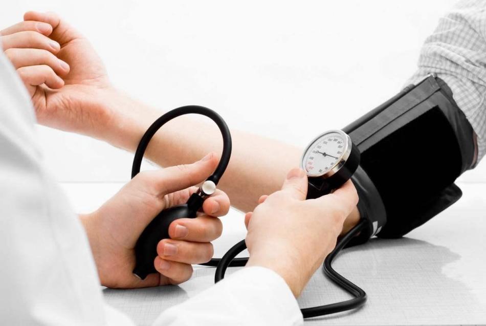 Антибиотик не сказывается на артериальном давлении, если пациент соблюдает дозировку и правила приема