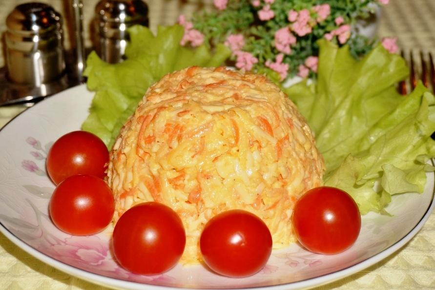 Салат с репой и морковкой и добавлением чеснока