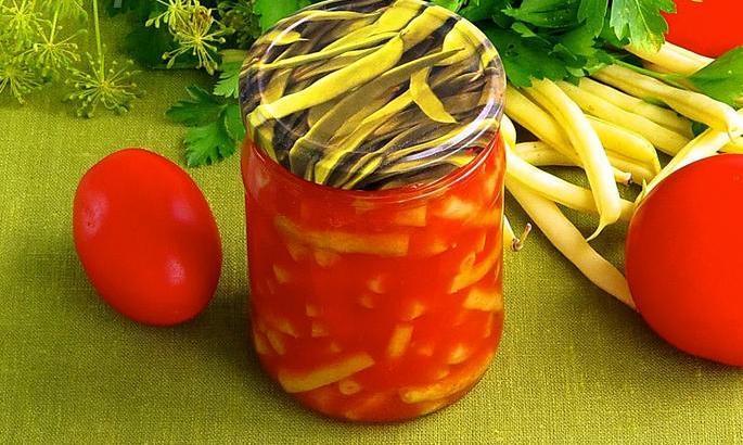 Французская фасоль с морковью и томатами.