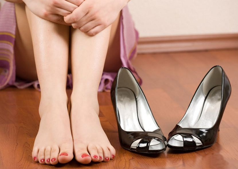 Неудобная обувь может вызвать изменения в ногтевых пластинах