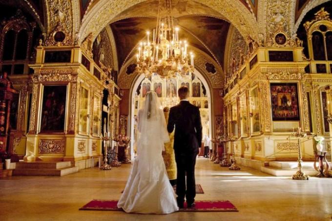 В православии разрешается венчаться после красной горки (антипасхи)