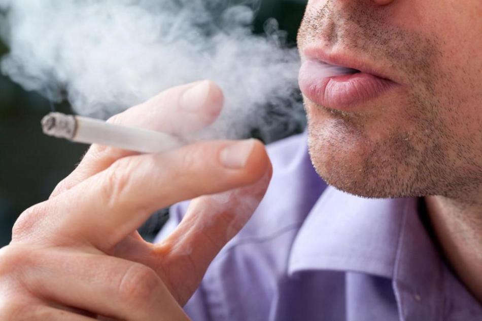 Пугайте курильщика полицией