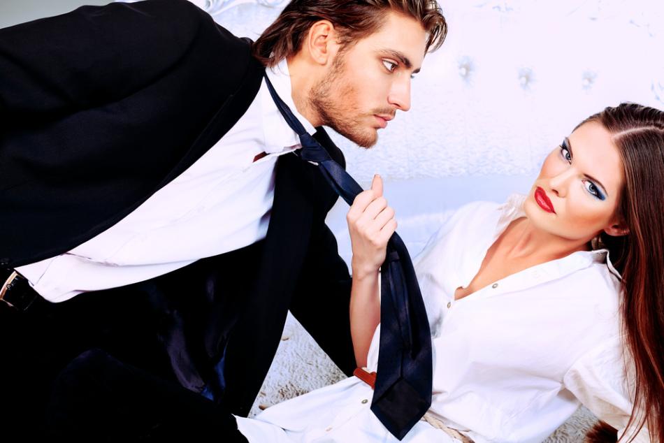 Сознательный альфонс хорошо разбирается в женской психологии, умеет очаровать и угодить