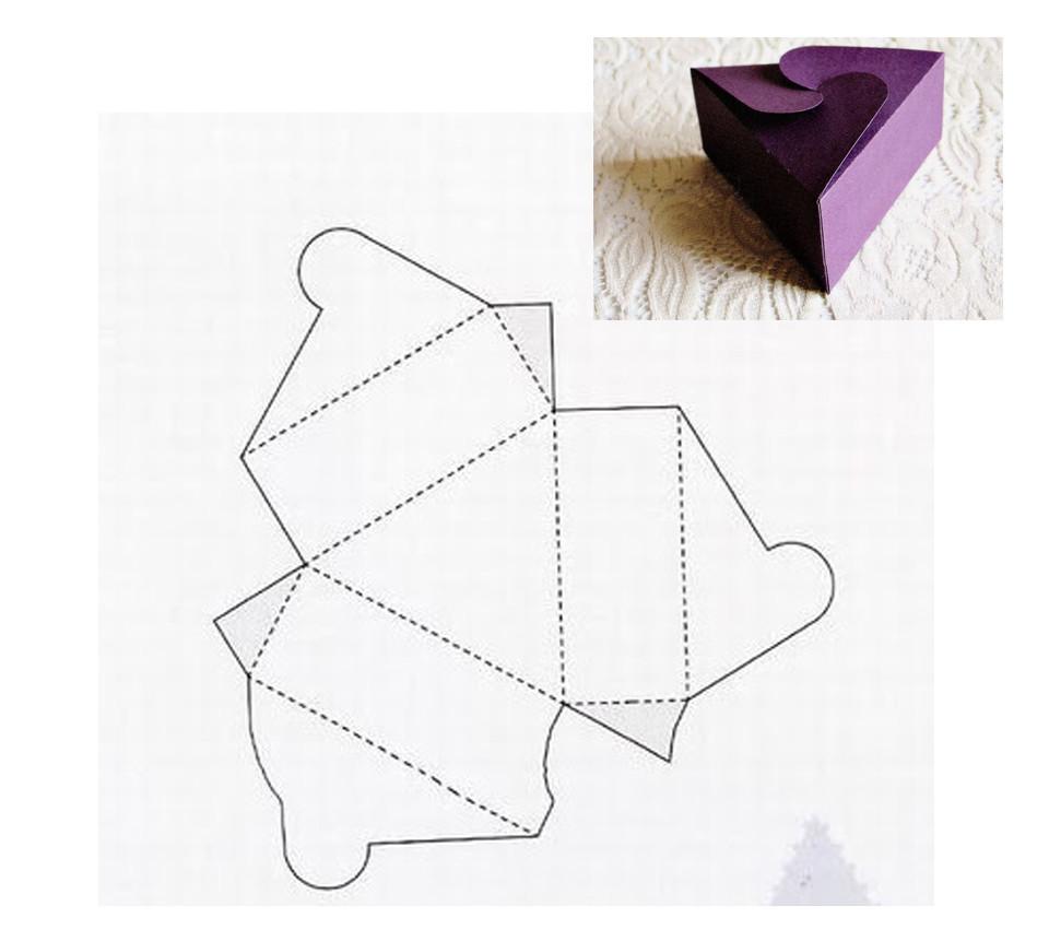 форма открытки треугольник двухэтажного дома гаражом