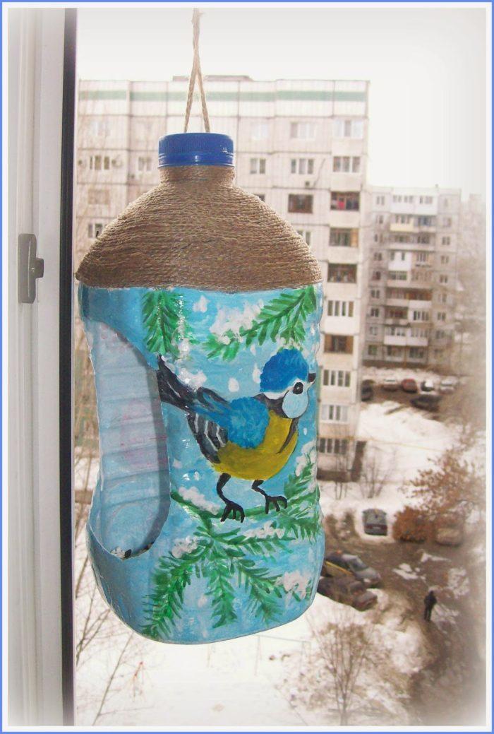 11f6e06cd7905b92fb0e1a6b27507fb1 Кормушка для птиц из пластиковой бутылки