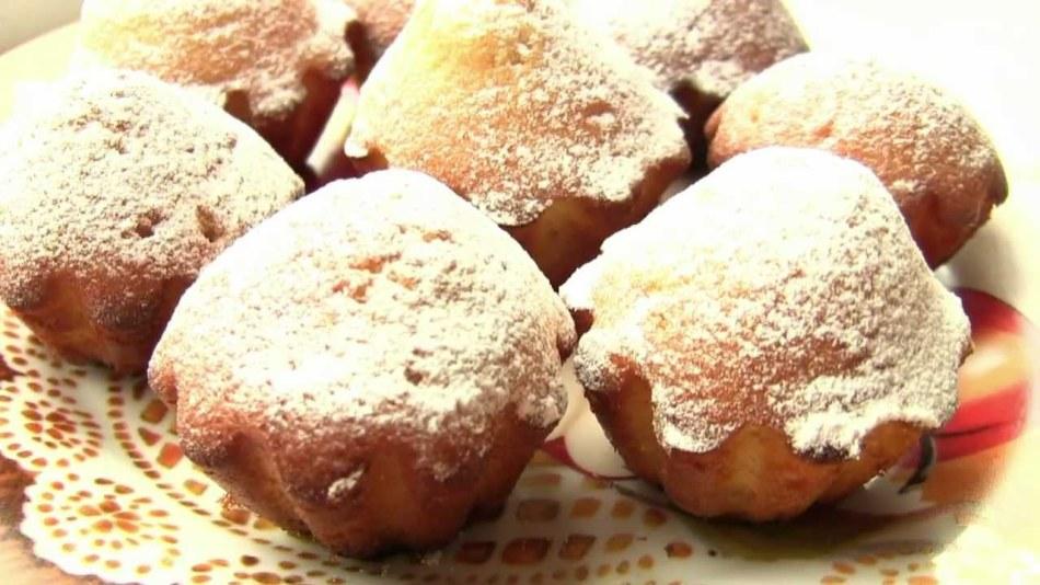 Простые и вкусные кексы с кокосовым маслом готовятся на скорую руку.