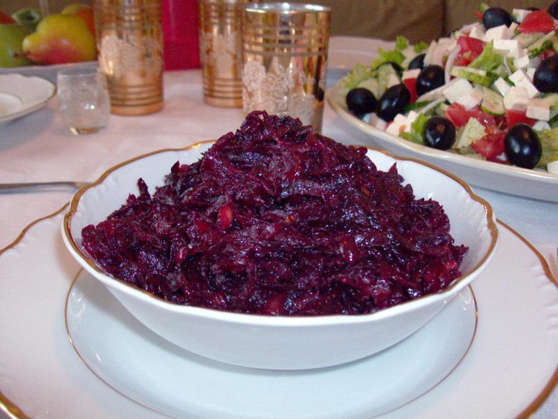 Свекольная икра - праздничное и повседневное блюдо