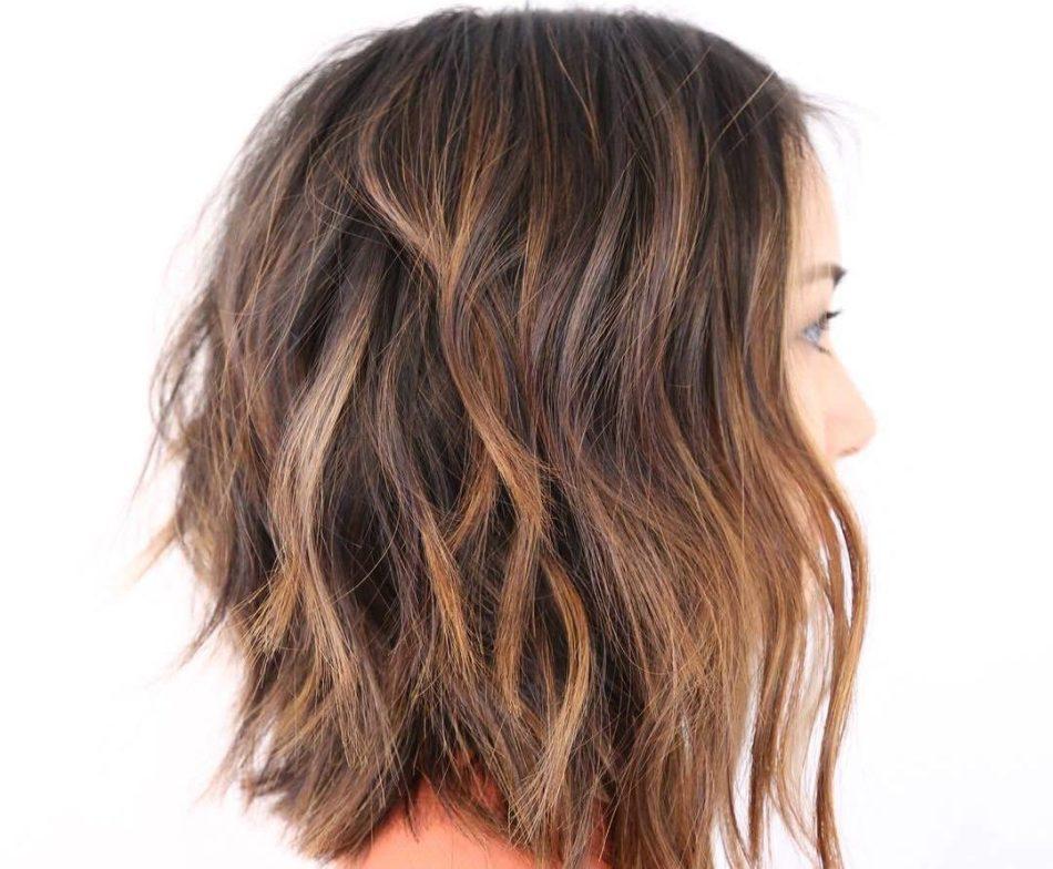 strizhka-na-lokoni-srednei-dlini Красивые стрижки на средние волосы 2019-2020, фото, идеи стрижки на средние волосы
