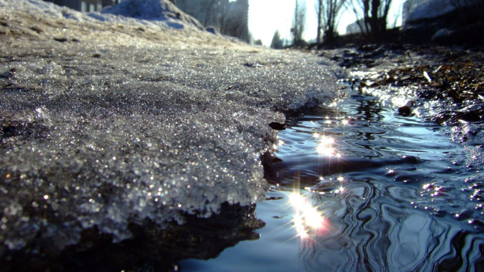 Тающий снег - к неприятностям