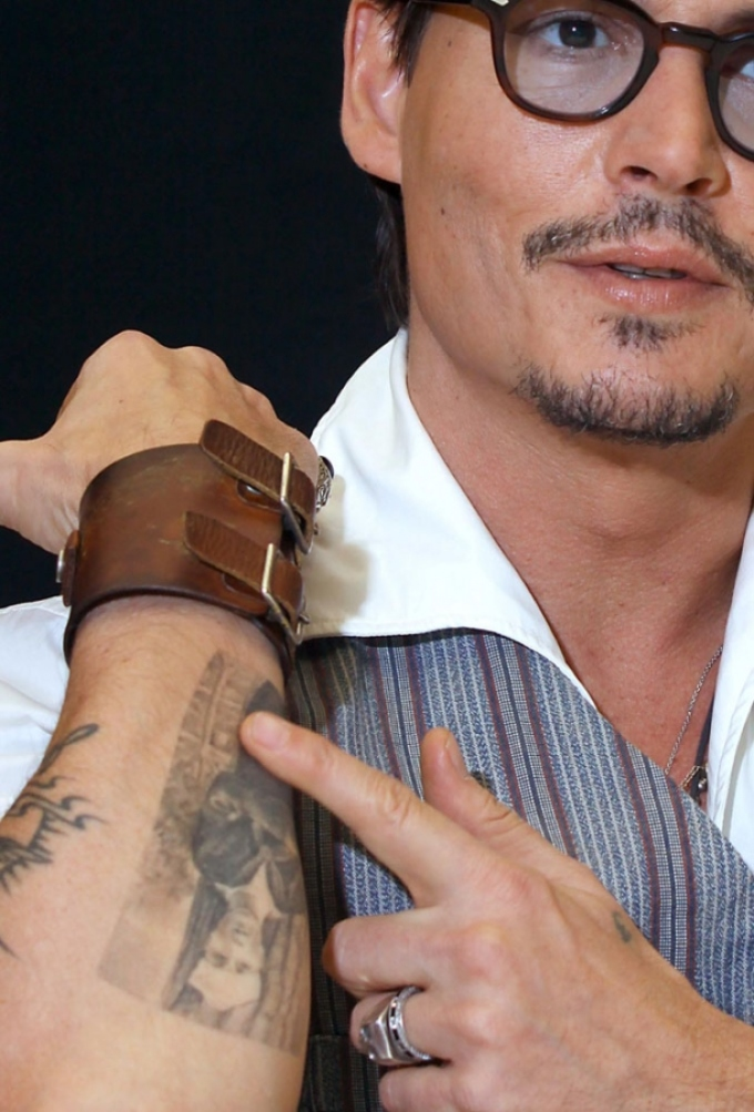 Татуировки на предплечье джонни деппа