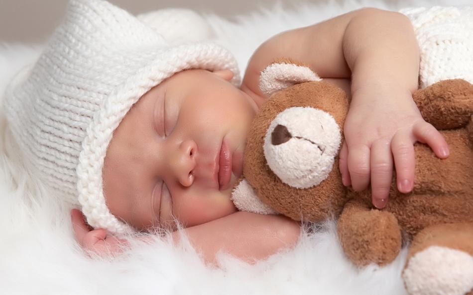 Почему ребенок плачет, не может уснуть?