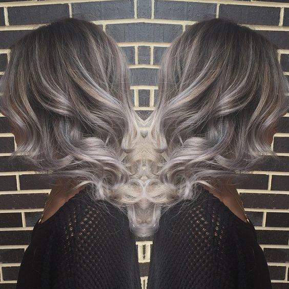 Пепельное омбре на темно-русых волосах