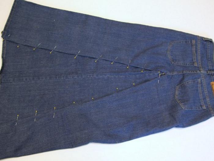 160ef2cbdff2a38d9e47f289dc786a0f Сарафан из старых джинсов своими руками: выкройки, как сшить детский сарафан