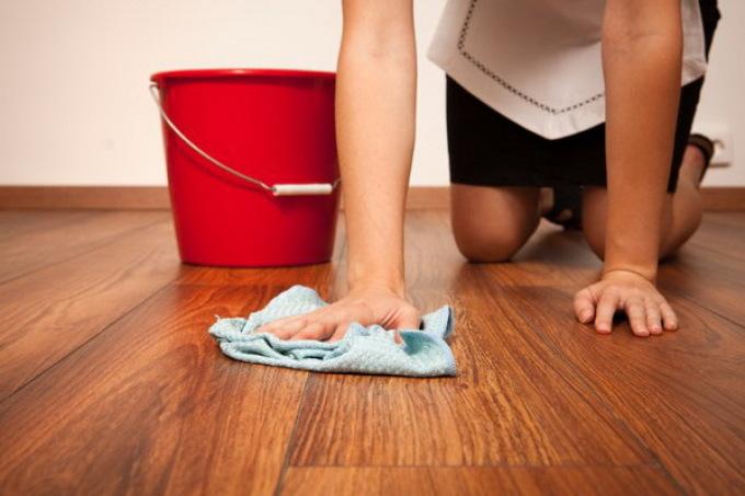 Как часто мыть ламинат