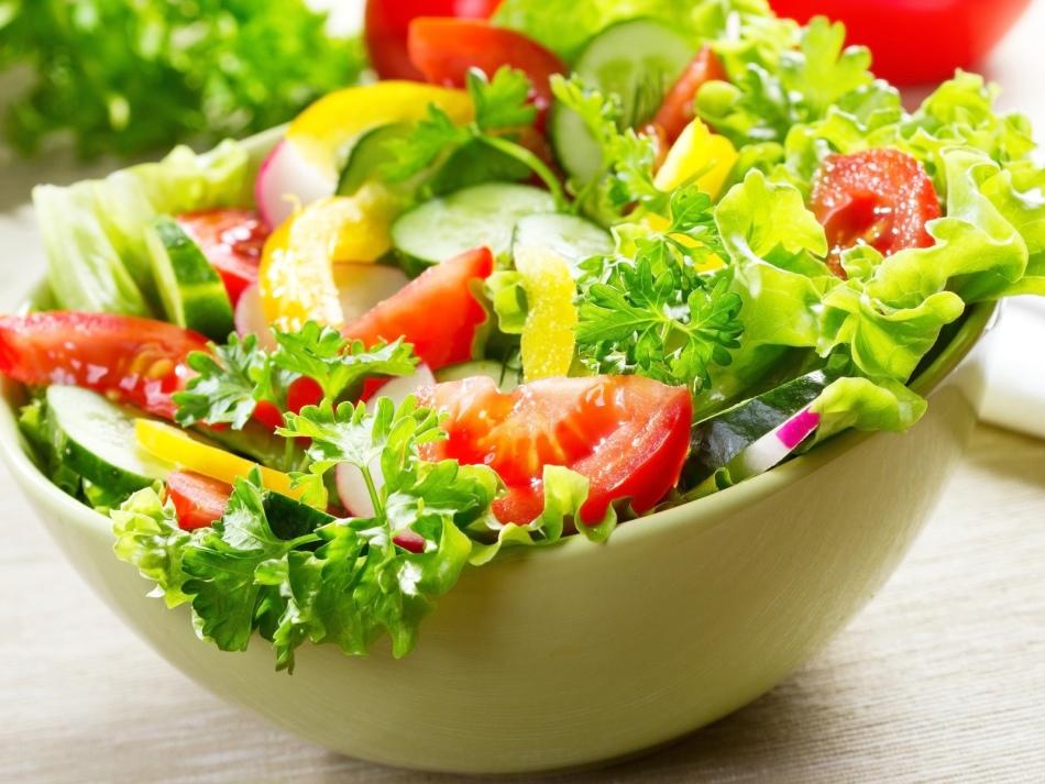 Что нельзя добавлять в салат?
