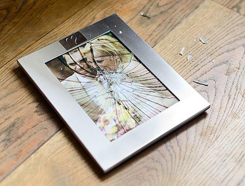 подобрали, примета если разбивается рамка с фотографией пары период