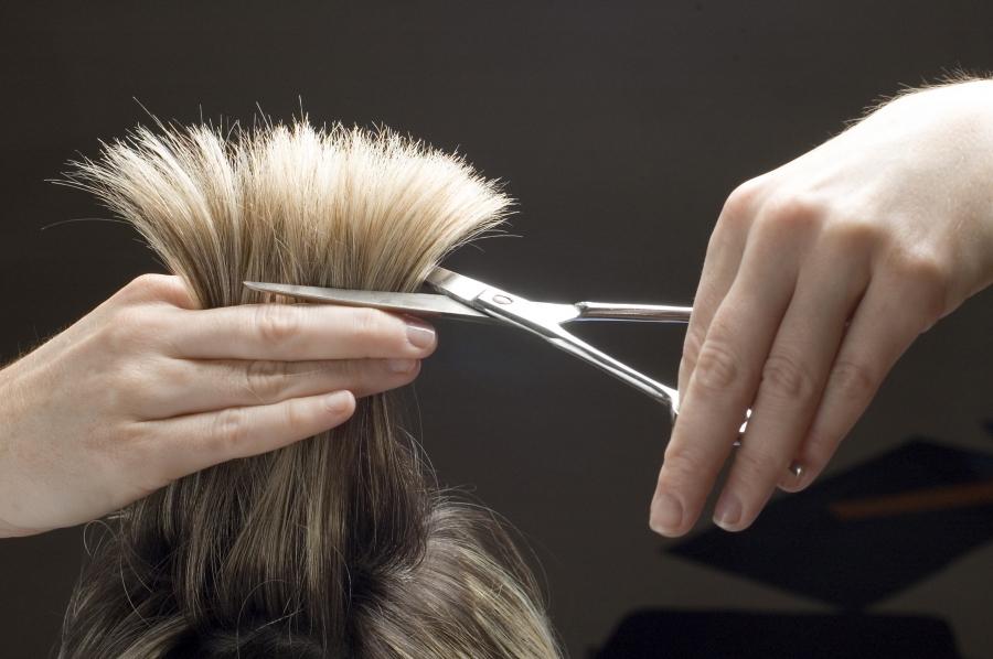 Можно ли беременным стричь волосы?