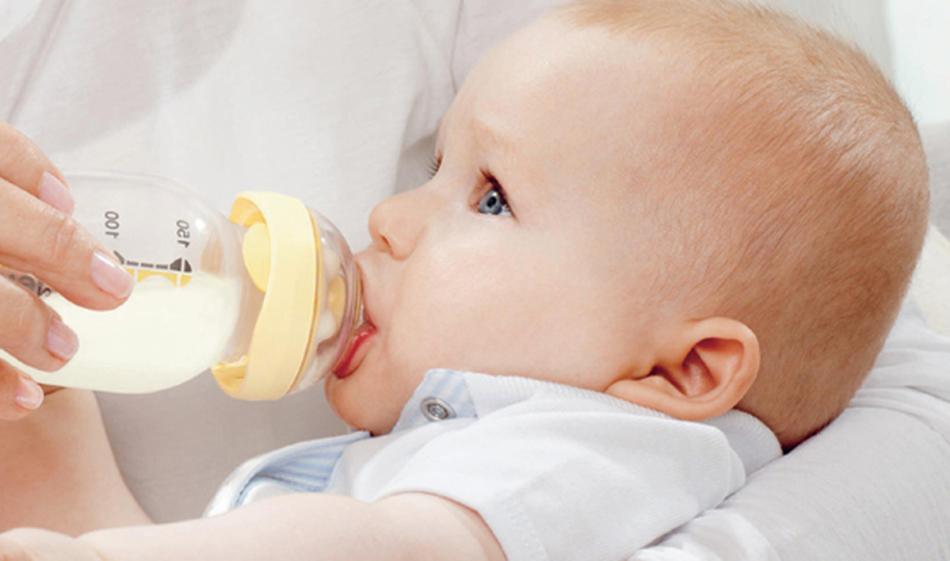 Искусственное вскармливание - одна из причин развития кариеса у детей