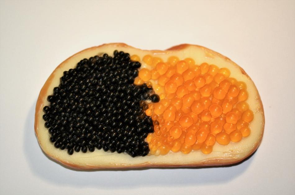 Фиалка красный бархат фото бутерброд