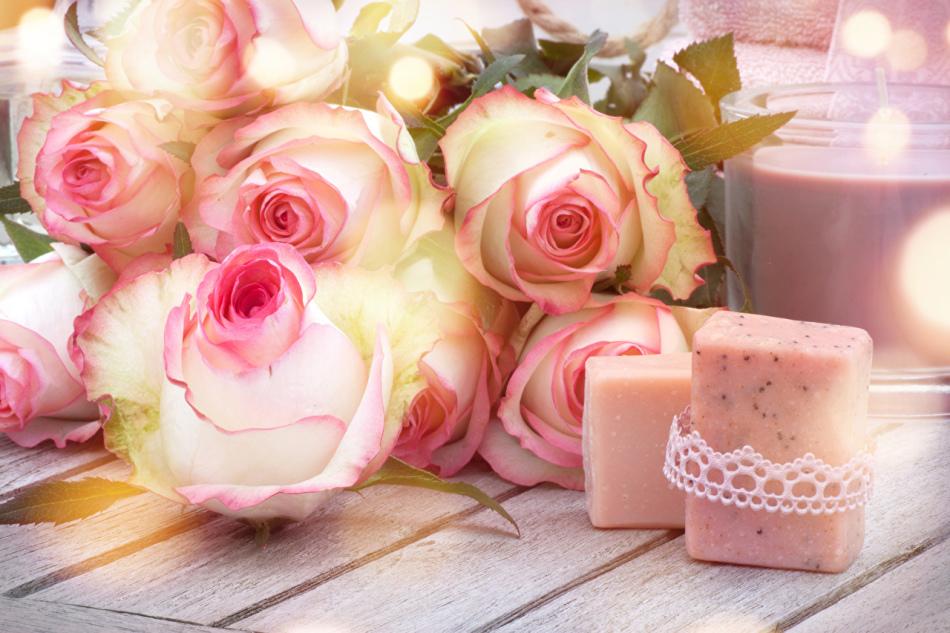 Розовая свадьба или день роз
