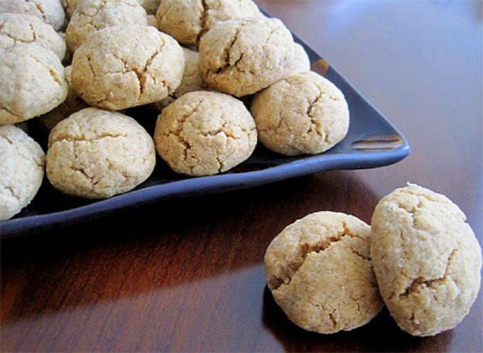 Круглое печенье с халвой