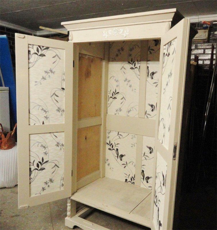 dekupazh-shkafa-oboyami-iznutri Декупаж старого шкафа своими руками фото: кухонный мастер-класс, как сделать оформление двери шкафчика
