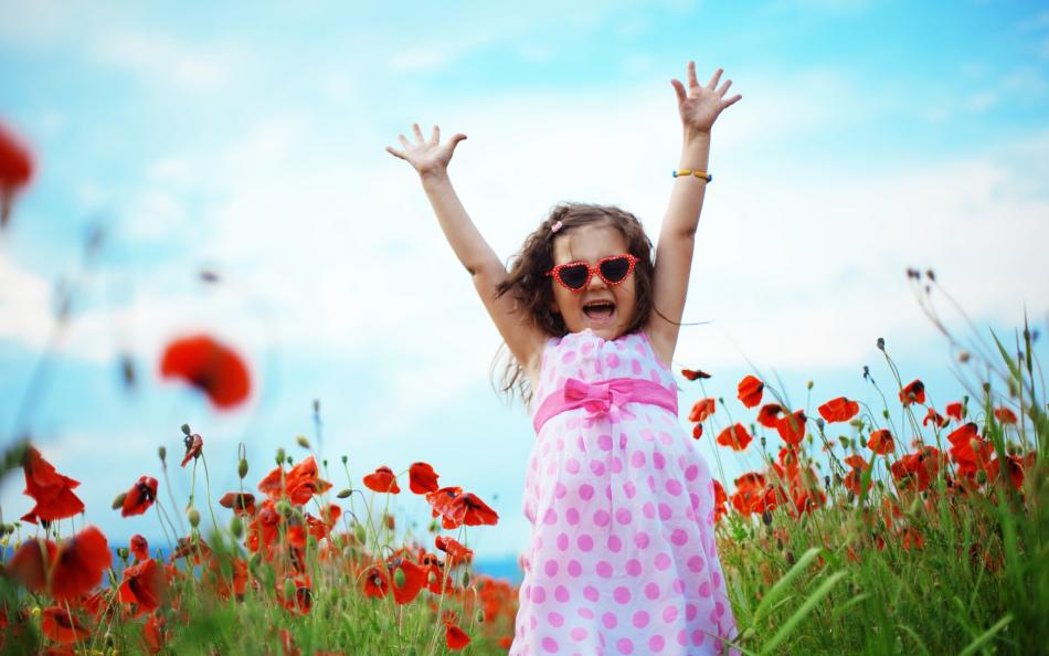 Нормальный режим дня, длительные прогулки и спорт - ключевые моменты в немедикаментозном лечении всд у детей.