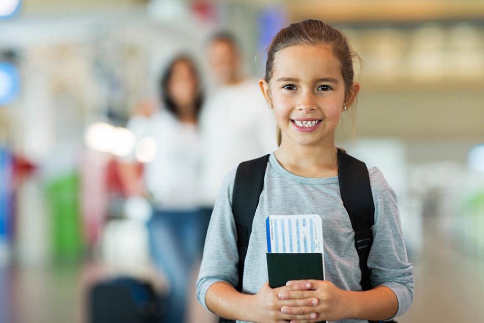 Очень важны документы, которые подтверждают ваше с ребенком родство