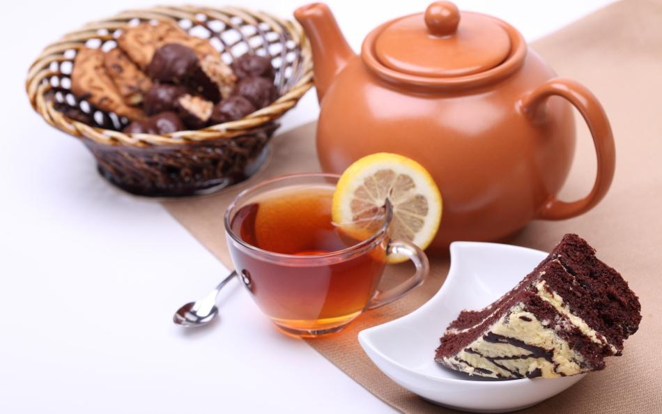 Вкусный чай из трав с вкусным печеньем