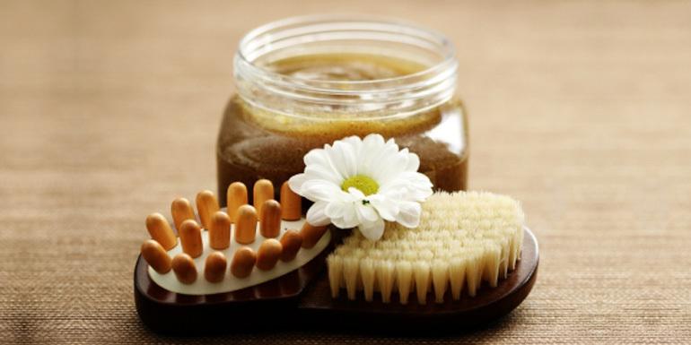 Скраб ,сделанный из кофе, с добавлением меда