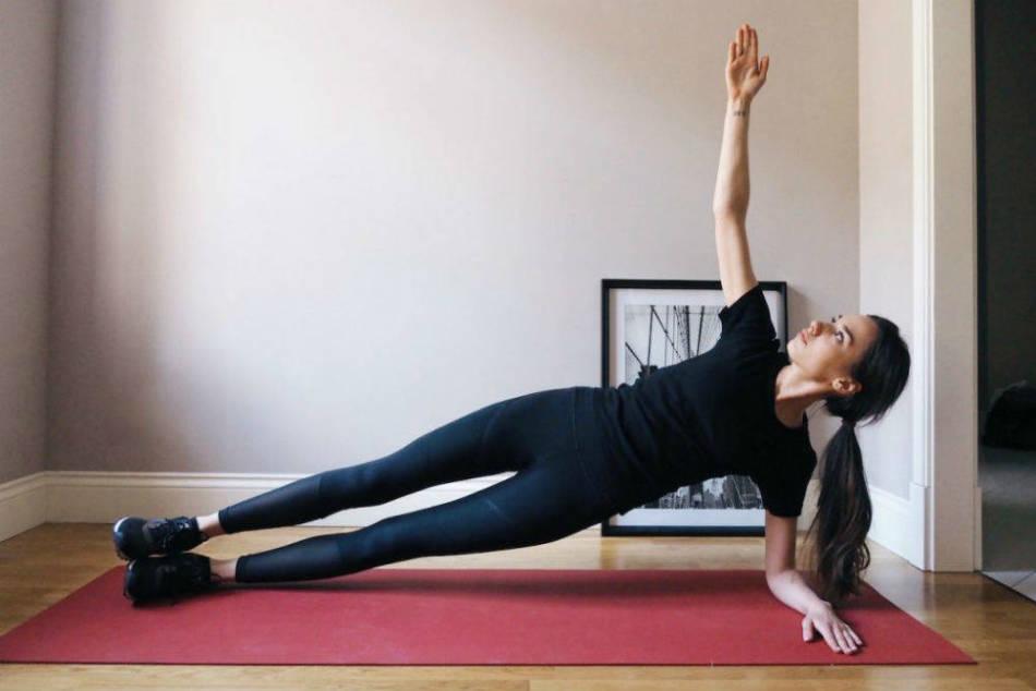 Эффективность Планки При Похудении. Планка для похудения: как выполнять упражнение начинающим, таблица на месяц