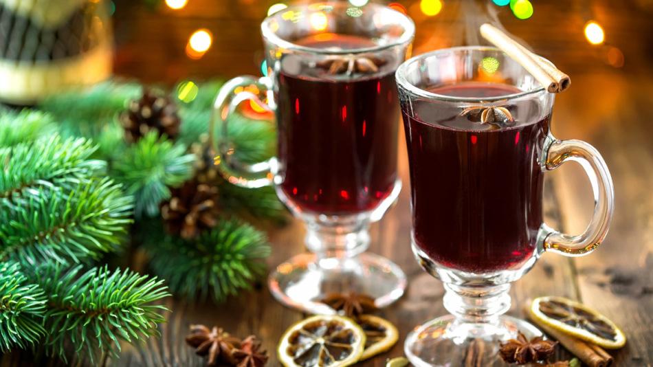 Вот такой может получиться алкогольный глинтвейн из домашнего вина