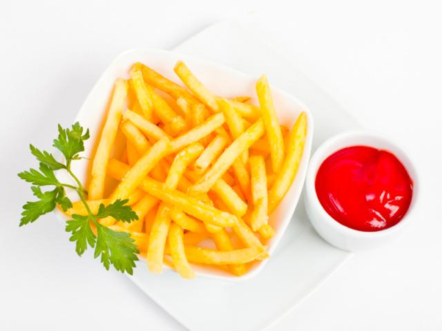 Картошка фри: лучшие рецепты приготовления на сковороде, в духовке, мультиварке, микроволновке? Как нарезать и сколько жарить свежую и замороженную картошку фри?