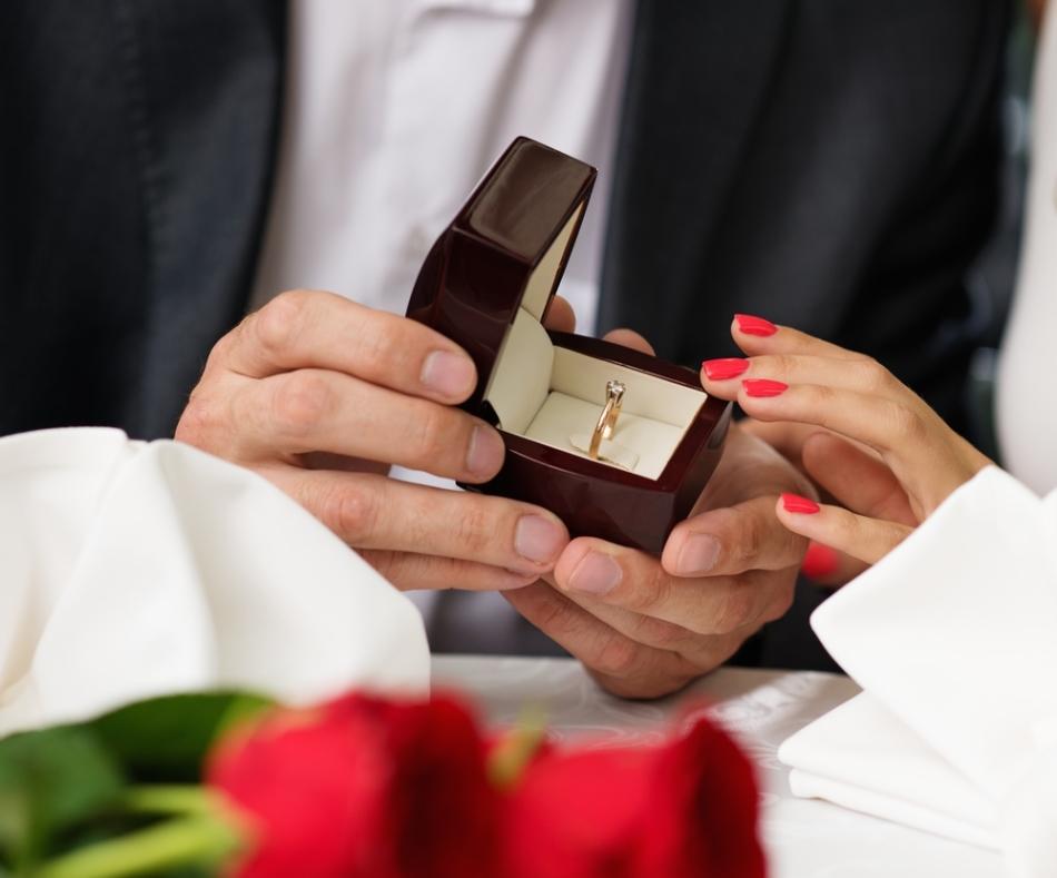 Как сделать предложение замуж?