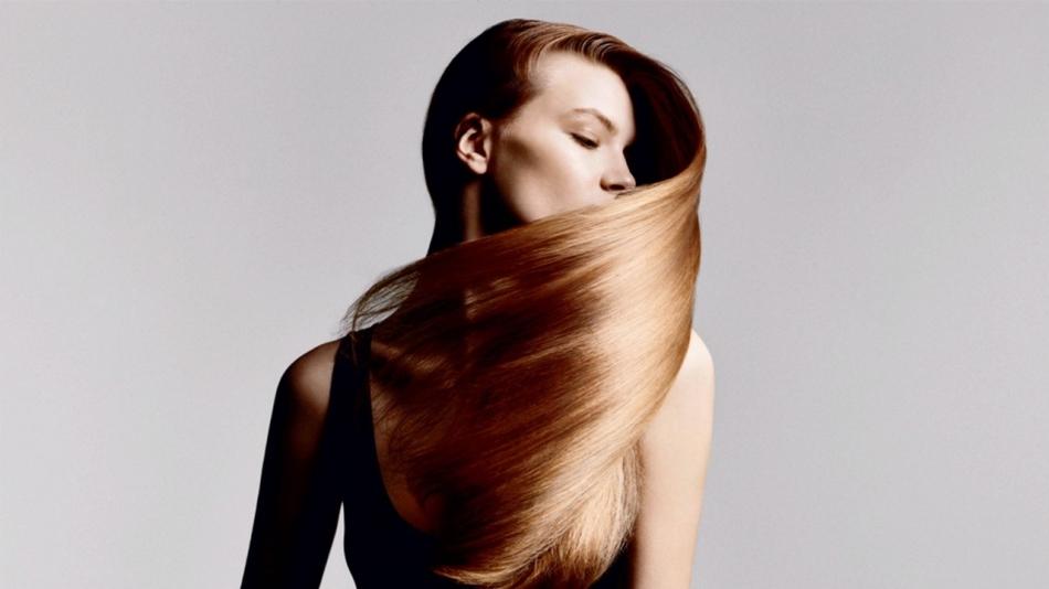 Регулярное использование масла розы творит чудеса с волосами