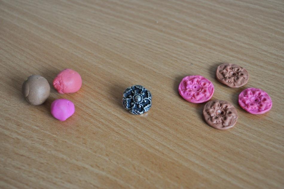iz-polimernoi-glini-skataite-shariki Поделки из полимерной глины - лучшие фигурки для новичков (105 фото)