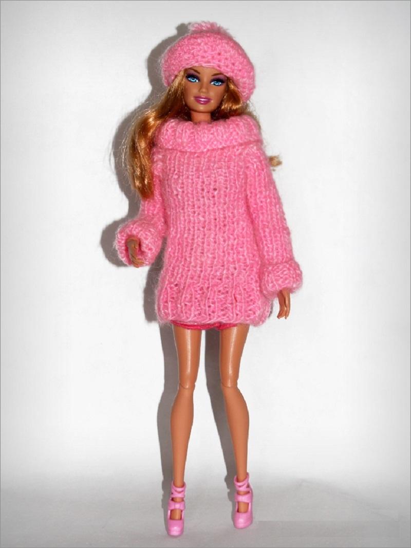 sviter-tunika-dlya-kukli Одежда для куклы Барби и Монстер Хай крючком и спицами: схемы с описанием, фото. Как связать платье для куклы Барби и Монстер Хай крючком для начинающих?