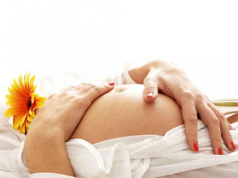 Беременная женщина должна регулярно сдавать мочу на анализы
